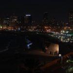 Pobřeží Tel Avivu v noci