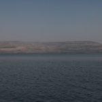 Galilejské jezero s pohledem na Golanské výšiny vzadu