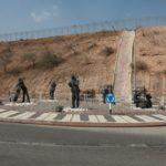V Eilatu bývá džezový festival, což připomínali i tito železní muzikanti na jednom z kruháčů za městem.