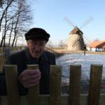 Pan rídíci Okénka u kuželovského mlýna v březnu roku 2011. Foto: Filip Fojtík