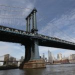 Manhattan Bridge v New Yorku