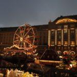 Drážďanský Stritzelmark v nadcházejícím soumraku
