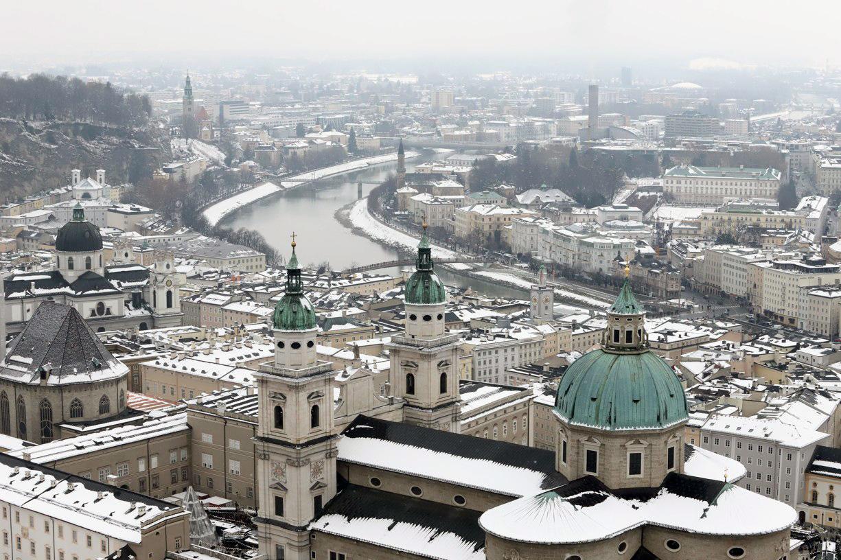 Pohled na Salzburg z ptačí perspektivy