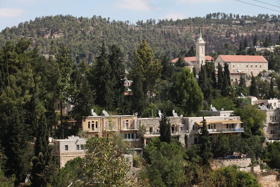 Pohled na kostel sv. Jana Křtitele, kde měl stávat dům jeho rodičů v Ein Karem