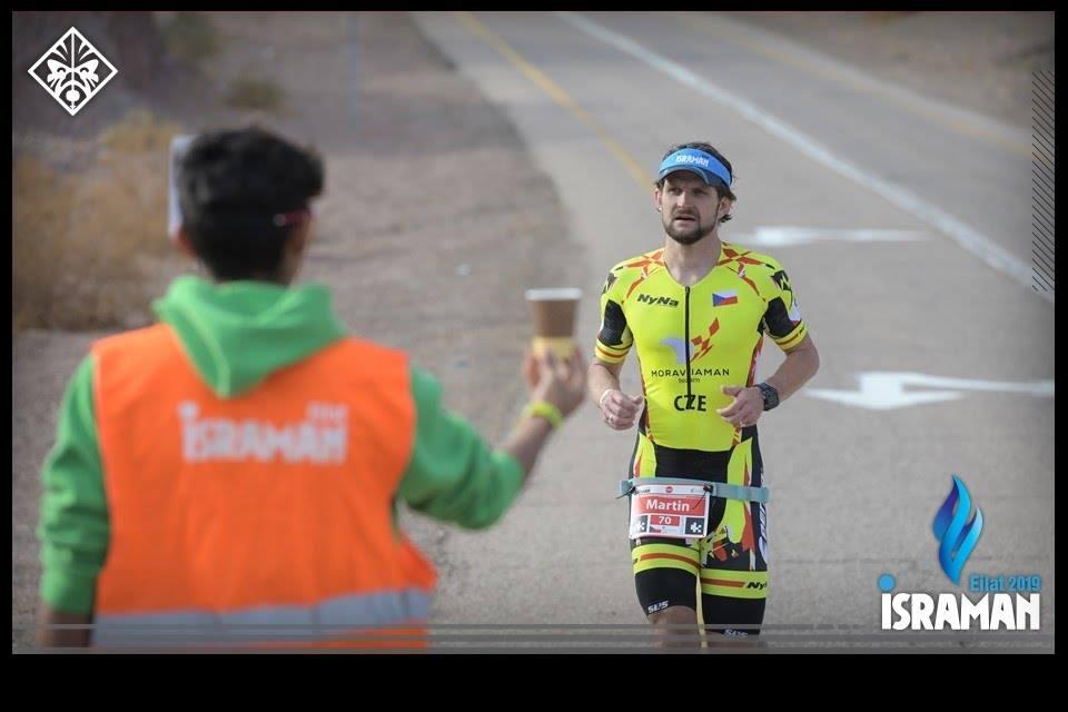 Zvěrečný maraton vedl z pouště přes Eilat směrem k egyptské hranici a zase zpět. Foto: Pavel Černý