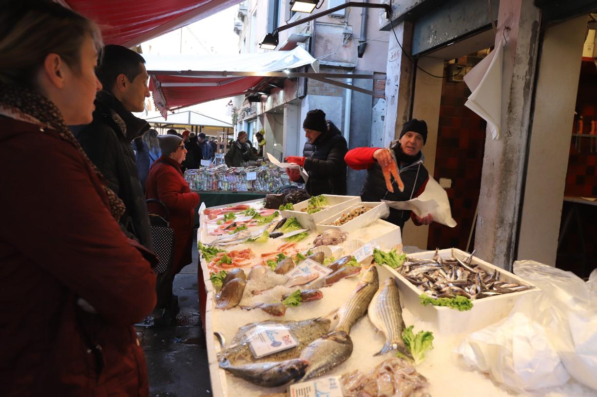 Na trhu nechyběla ani nabídka čerstvých ryb
