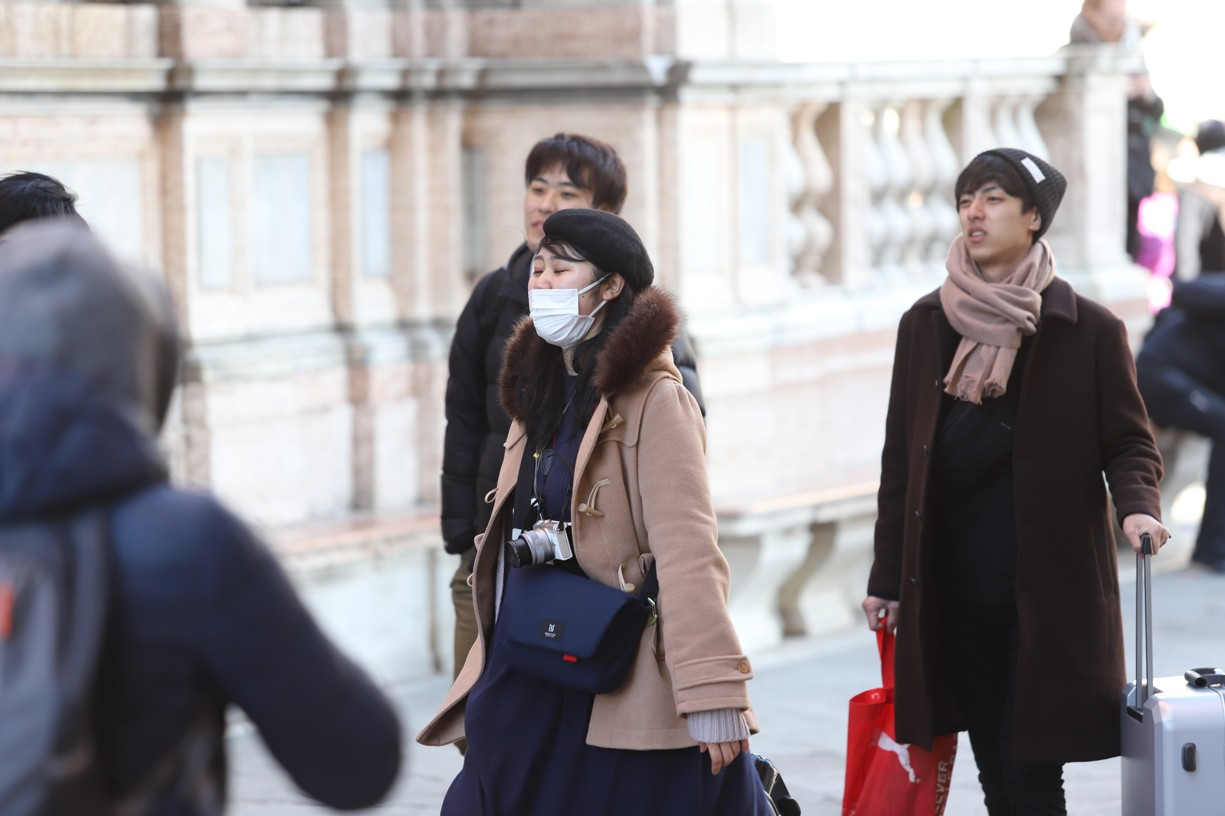 Někdo měl v ulicích města úplně jinou masku