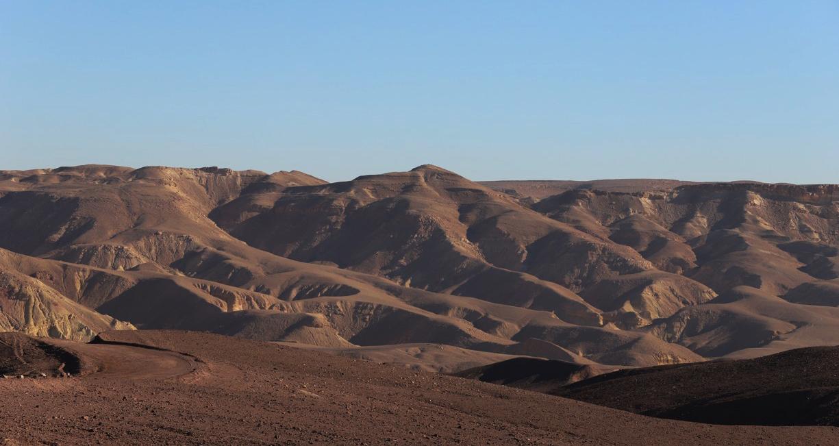 Takový pohled se nám naskytl hned po vykročení do pouště
