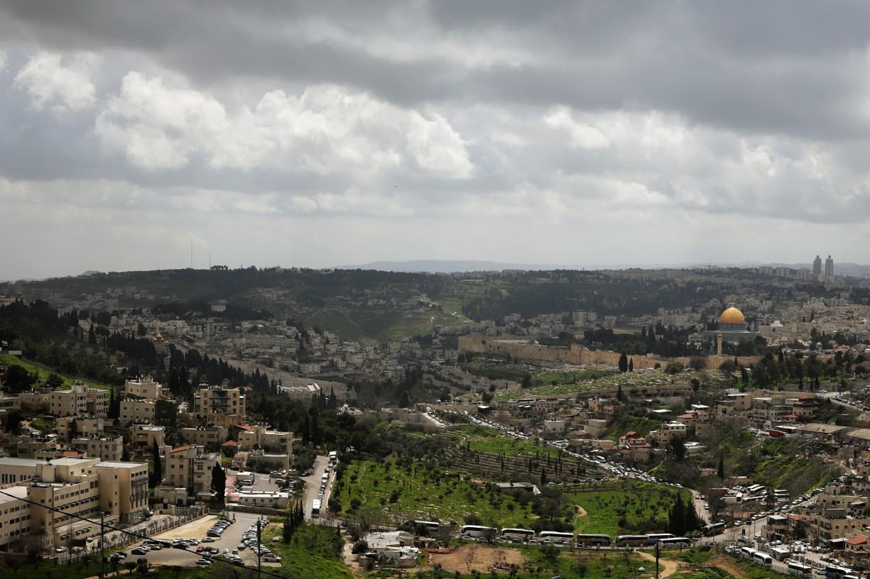 Nejdříve jsme zamířili na vyhlídku z Olivové hory, kdy pod námi byl celý Jeruzalém