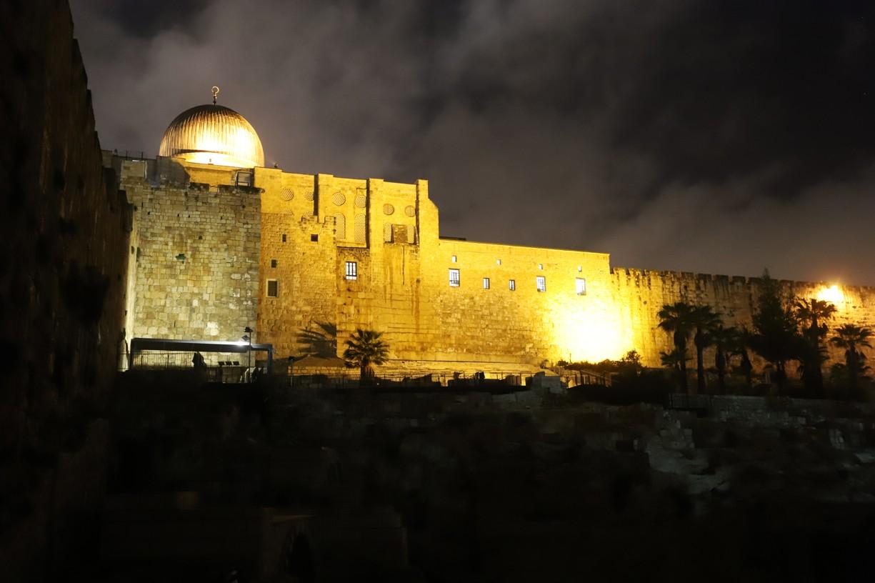 Večerní Jeruzalém před odjezdem do Eilatu