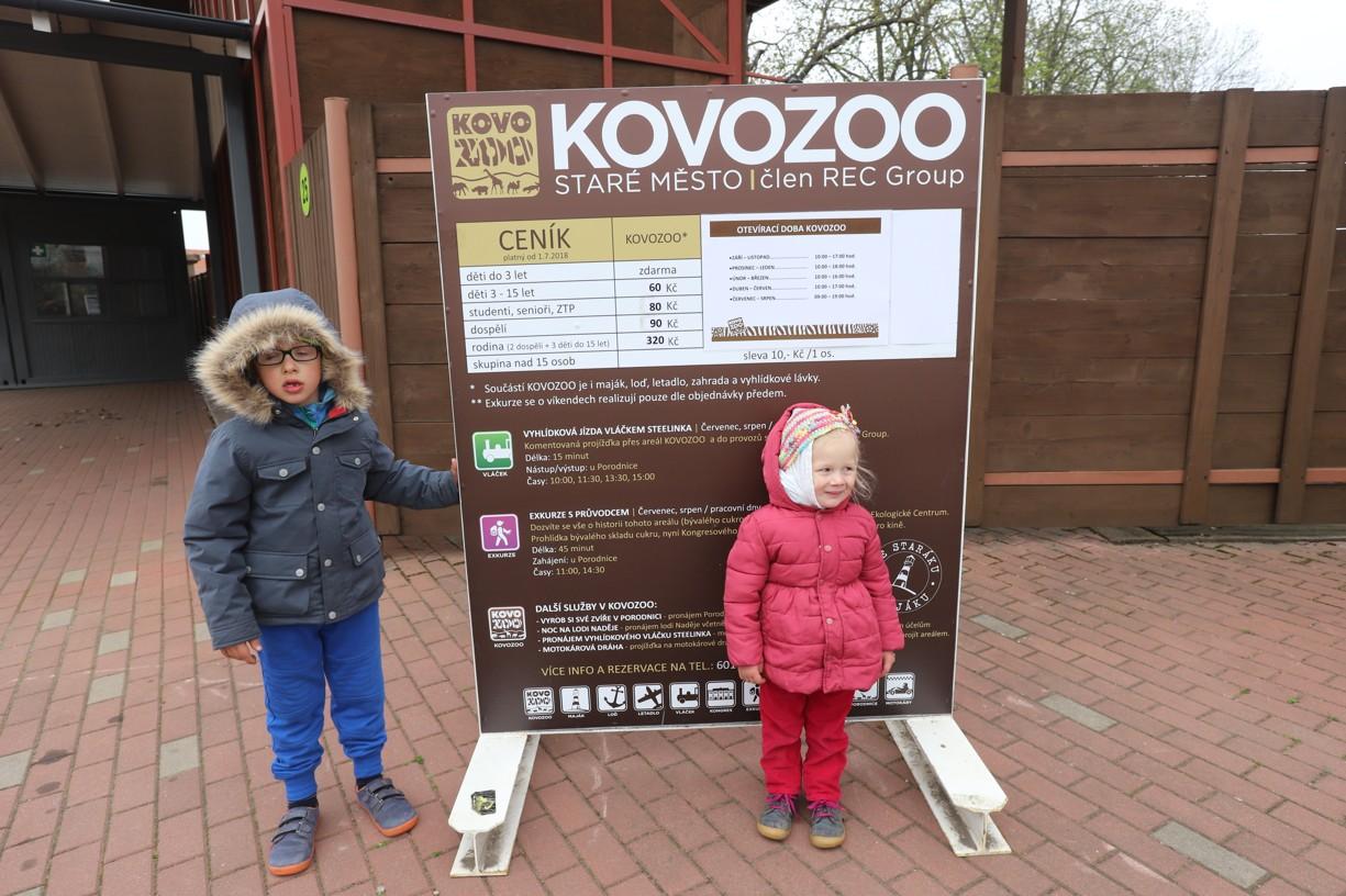 Naše návštěva Kovozoo ve Starém Městě u Uhesrkého Hradiště začíná