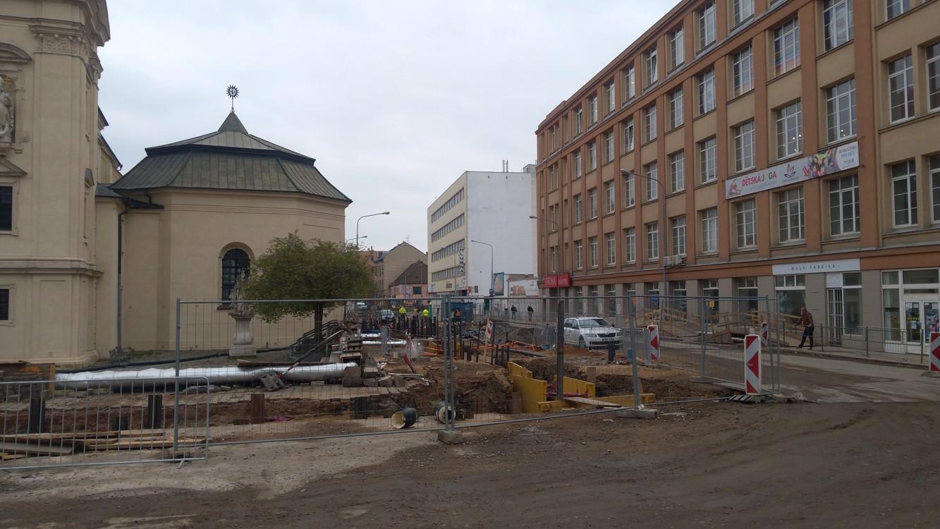 Rozbombardované okolí kostela Nenebevzetí Panny Marie v Zábrdovicích
