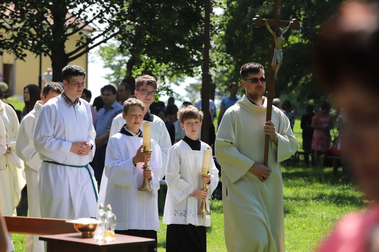 Zahájení poutní mše svaté Matice svatoantonínské