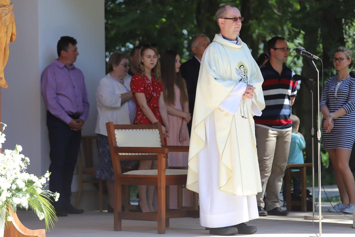 Hlavním celebrantem poutě Matice svatoantonínské byl salesiánský kněz P. Zdeněk Jančařík