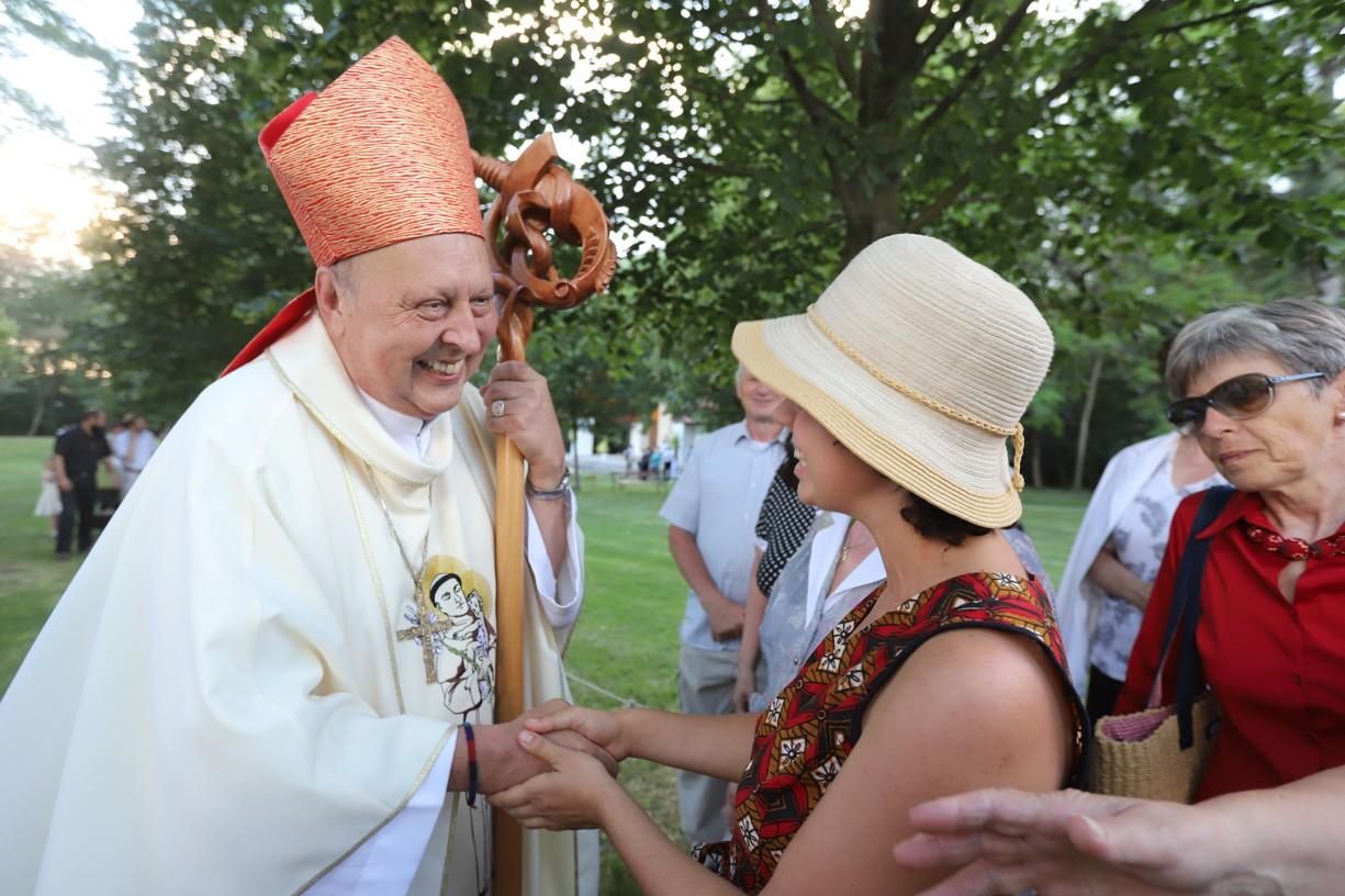Tato mladá dívka z Ostrožské Nové Vsi se s panem biskupem potkala naposledy při Setkání mládeže v Panamě