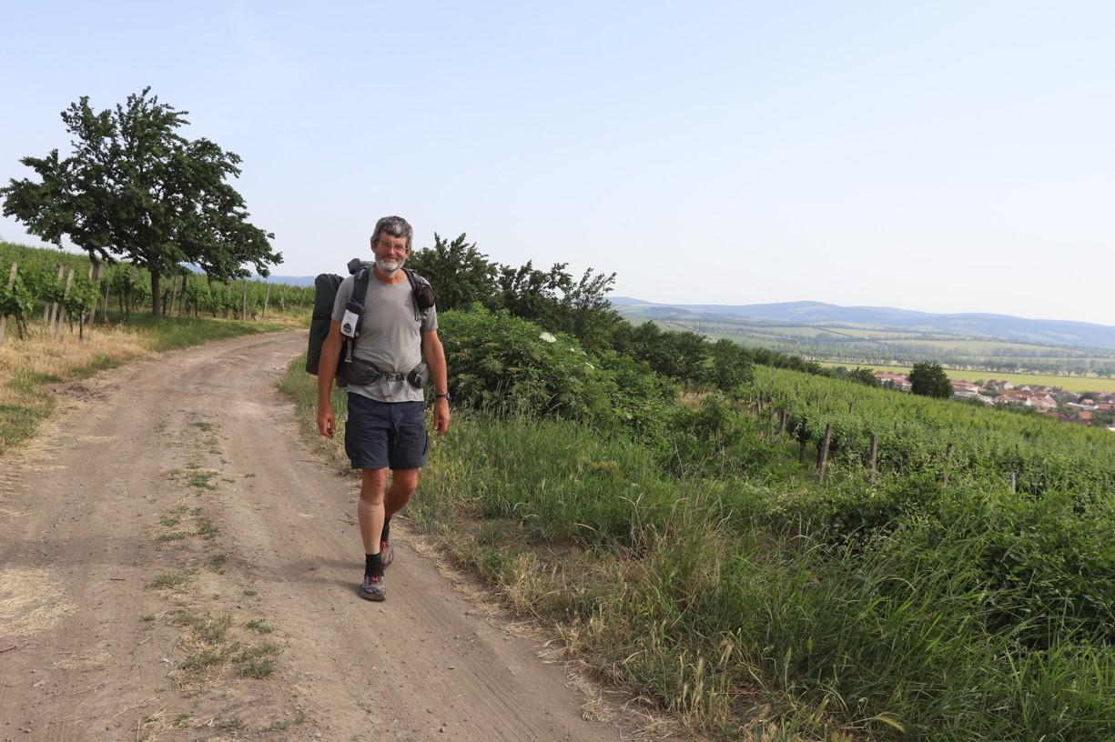 Poutník Tomáš Lachman nad Blatnicí