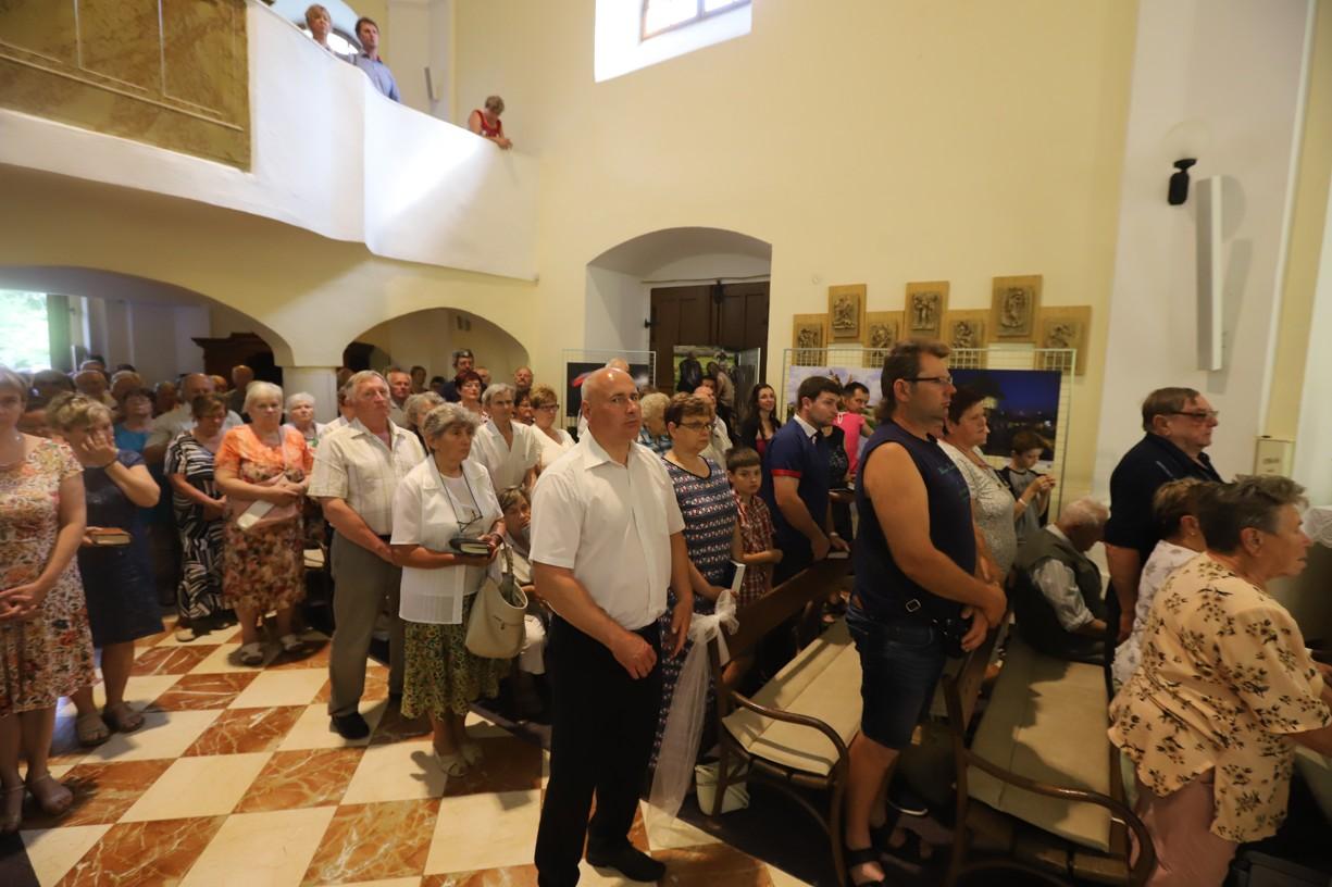 V neděli se Tomáš Lachman zúčastnil první poutní mše svaté, která byla na Antonínku sloužena v rámci Hlavní poutě ke cti sv. Antonína Paduánského