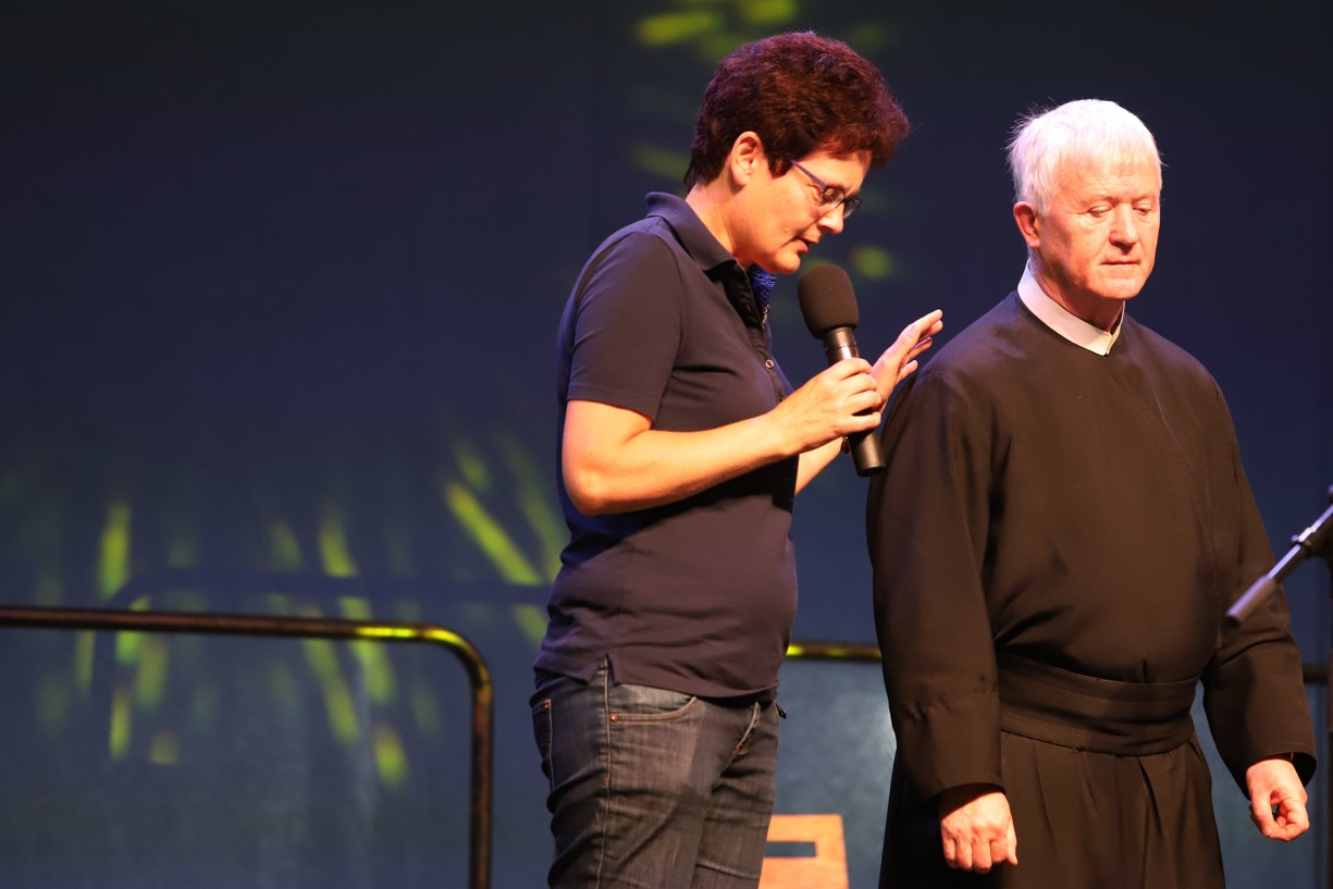 Modlitba Kateřiny Lachmanové za P.Michala Zamkovského před jeho přednáškou