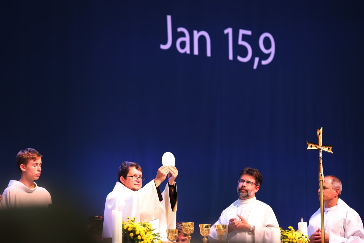 Hlavním celebrantem sobotní mše svaté byl P. Vojtěch Kodet.