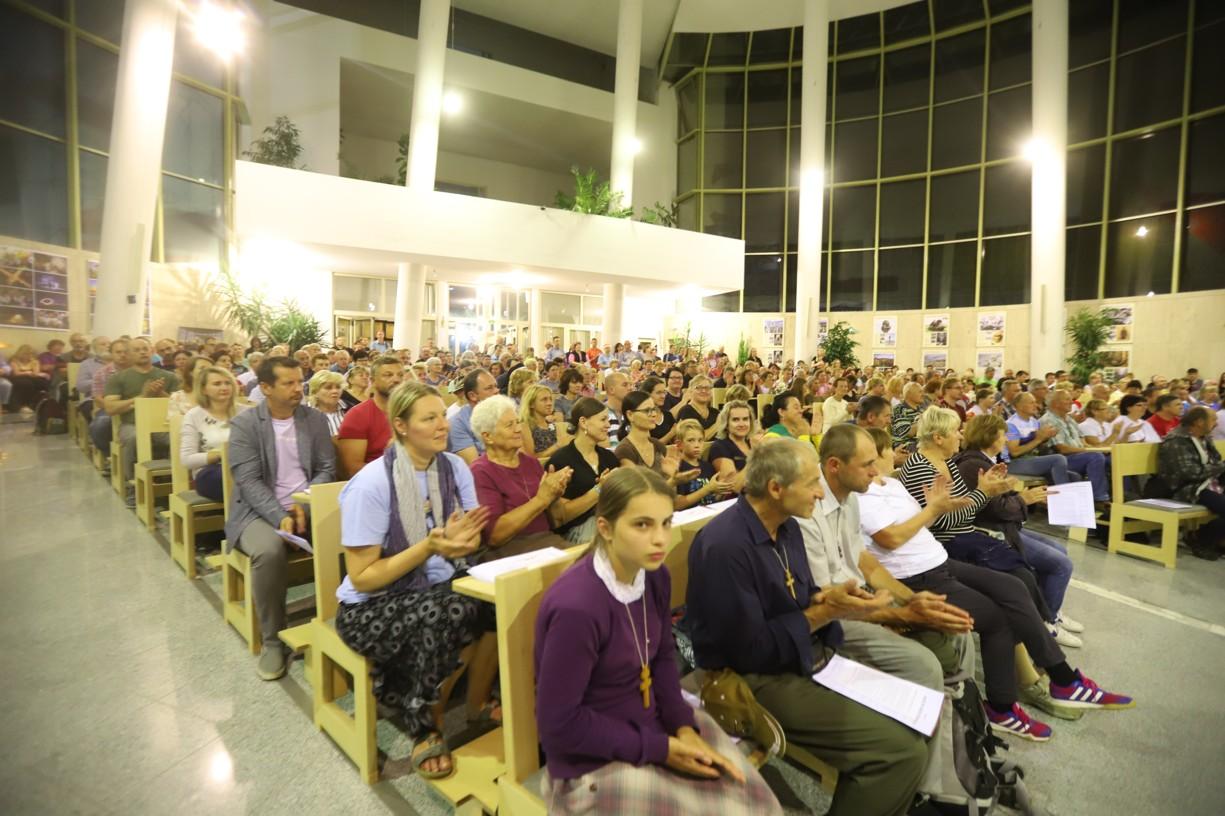 Program věřící zahájili v kostele Svatého Ducha ve Starém Městě u Uherského Hradiště