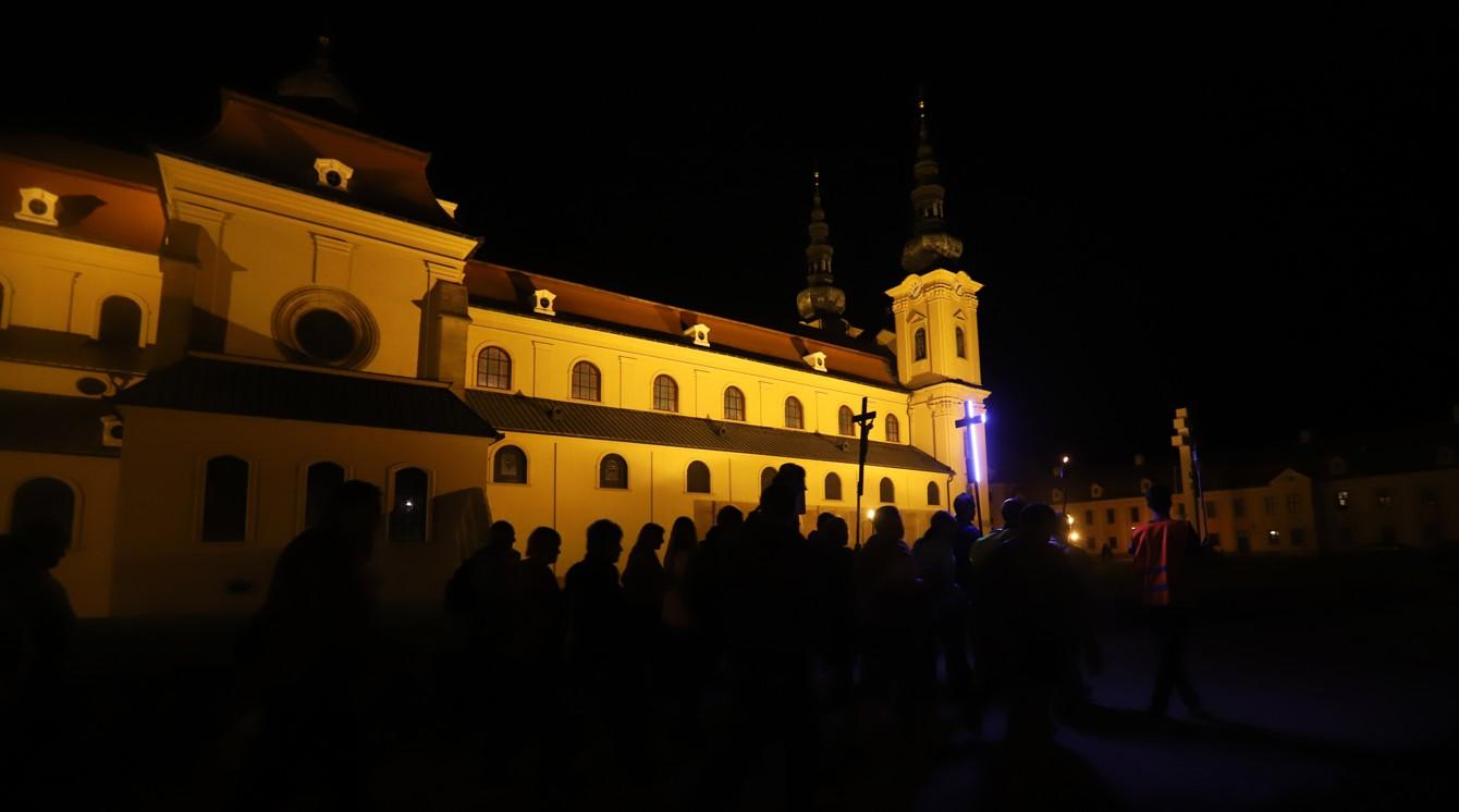 Z pátku 23. 8. na sobotu 24. 8. šlo ze Starého Města noční procesí na Velehrad proti ratifikaci Istanbulské úmluvy