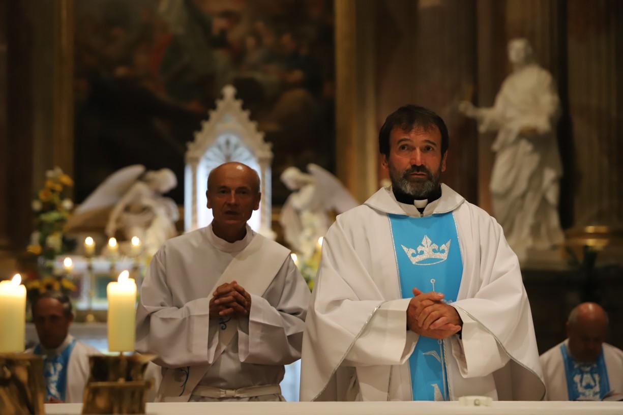 Hlavním celebrantem mše svaté byl P. Marián Kuffa ze Slovenska