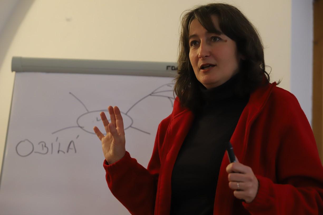 Další překladatelkou byla laická misionářka a teoložka Jana Ungerová, která měla také vlastní přednášku o myšlení.