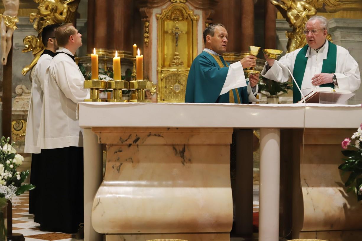 Každý den se slavila mše svatá.