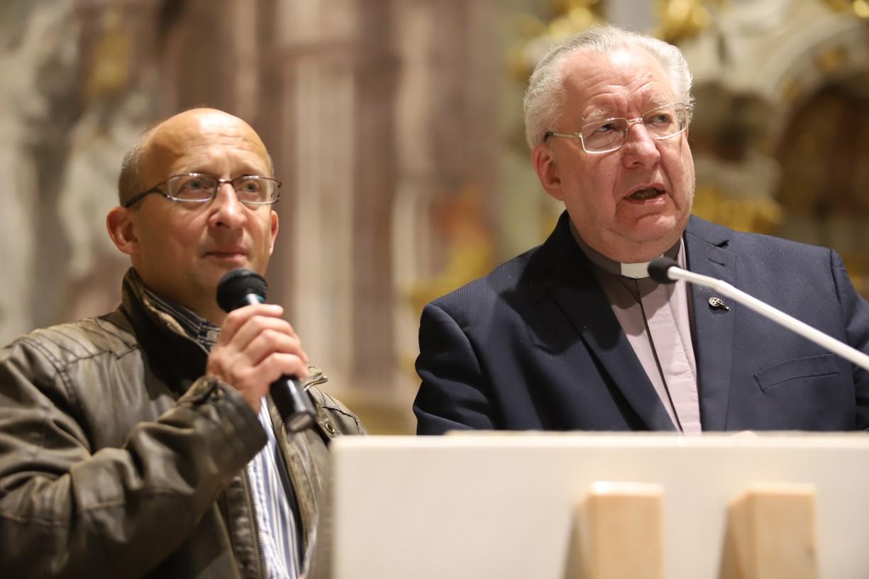 Přednášky překládal laický misionář a teolog Václav Čáp.
