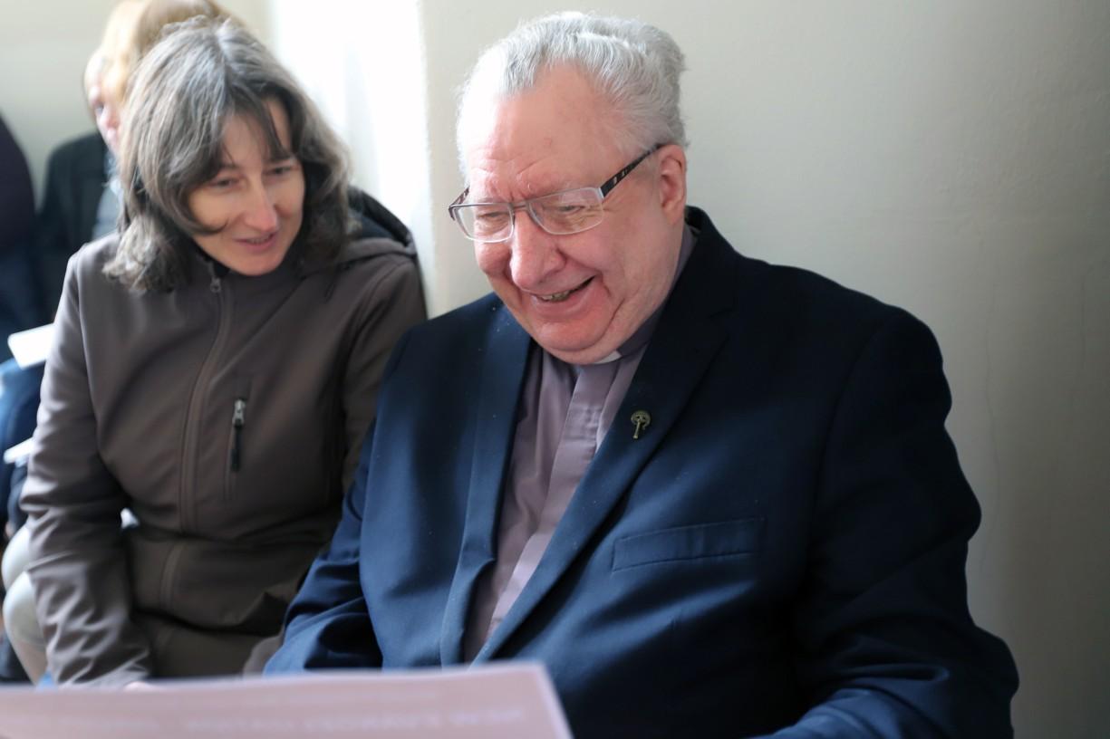 Irský kněz P. Collins s misionářkou Janou Ungerovou