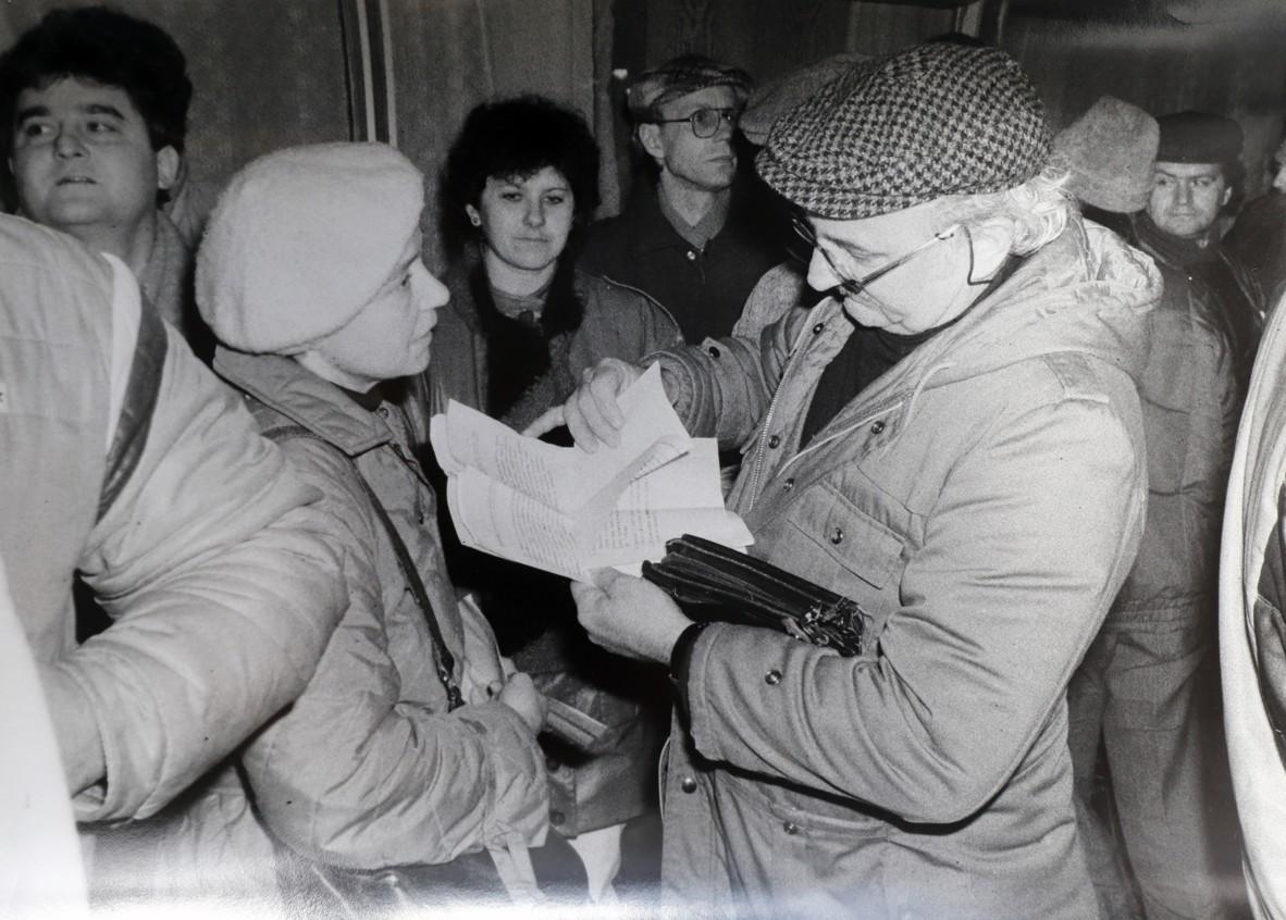 Do Veselí nad Moravou zavítal v době revoluce i herec Josef Somr.