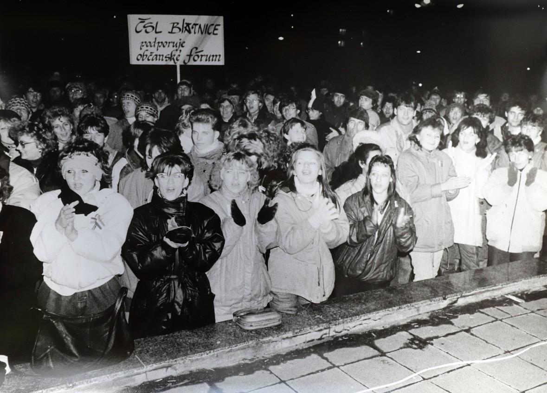 Sametová revoluce ve Veselí nad Moravou.
