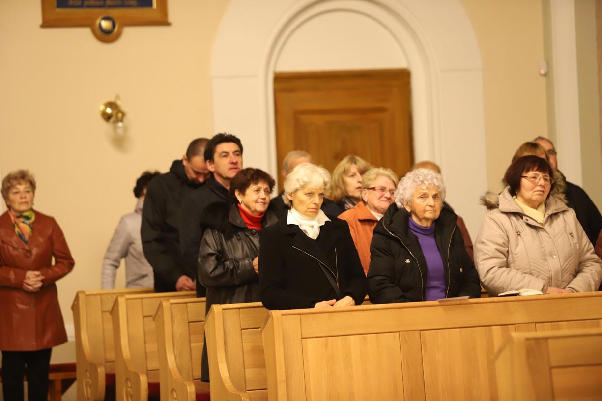 Věřící si v Ostrožské Lhotě připomněli život a dílo P. Šuránka.