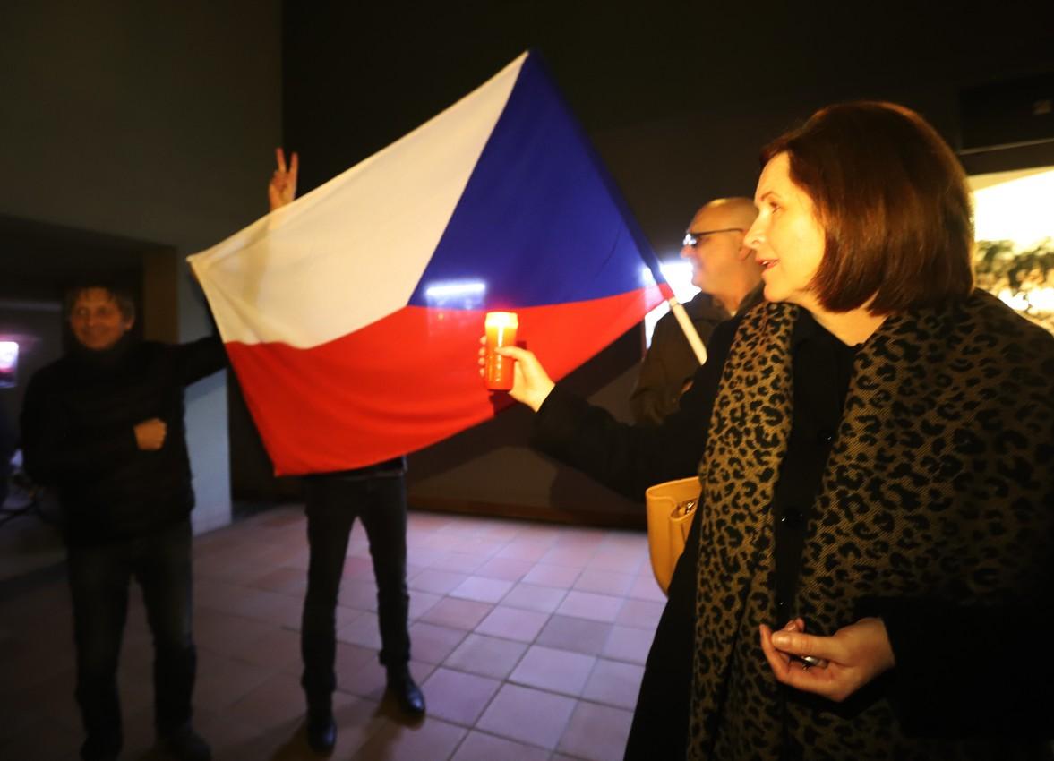 U kina Morava se ve Veselí nad Moravou sešli iniciátoři prvních demonstrací na Hodonínsku.