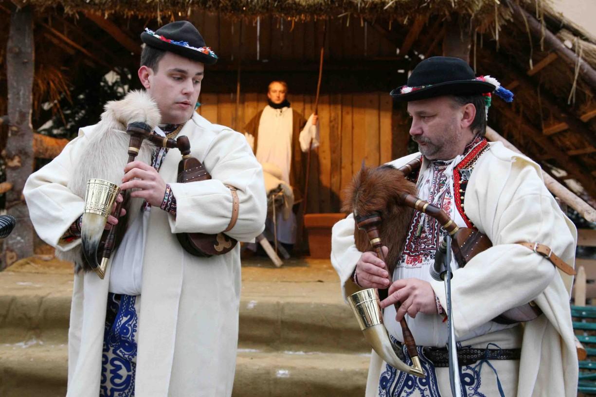 Vystoupení u Živého betlému v Hroznové Lhotě.