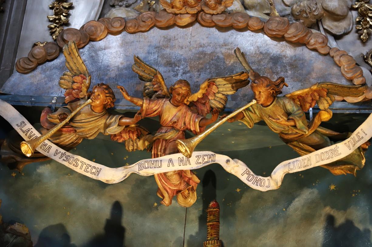 Betlém je v minoritském kostele devatenáct metrů dlouhý a čtyři metry vysoký.