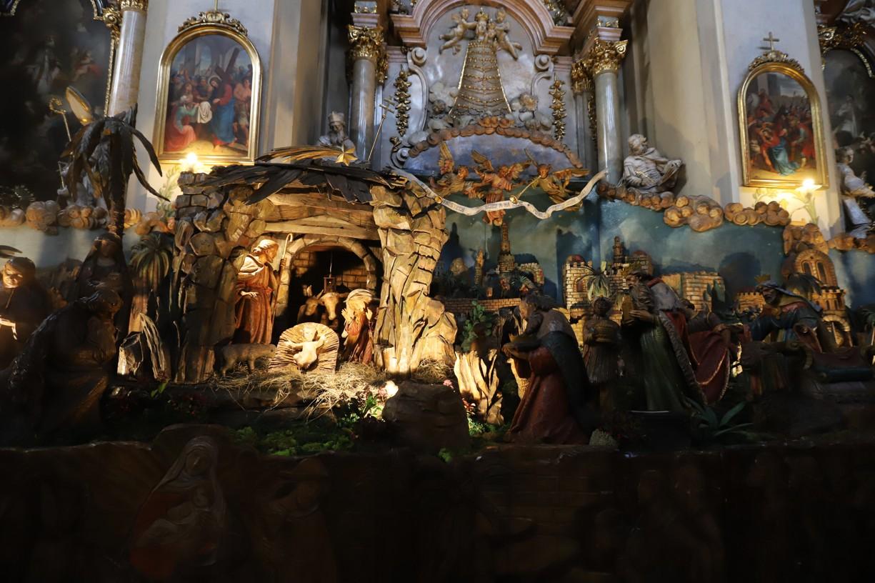 Betlém je v minoritském kostele devatenáct metrů dlouhý a čtyři vysoký.