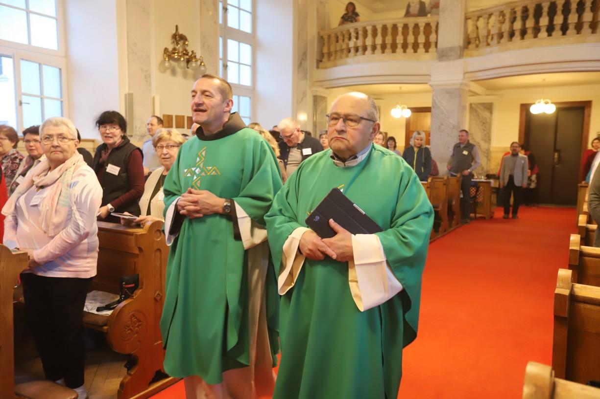 P. Elias Vella a františkánský kněz P. Šebestián Smrčina z Moravské Třebové.