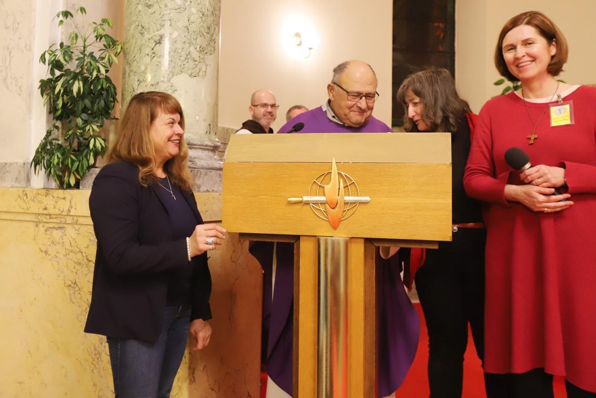 Gratulace P. Eliasovi Vellovi k jeho 79. narozeninám.