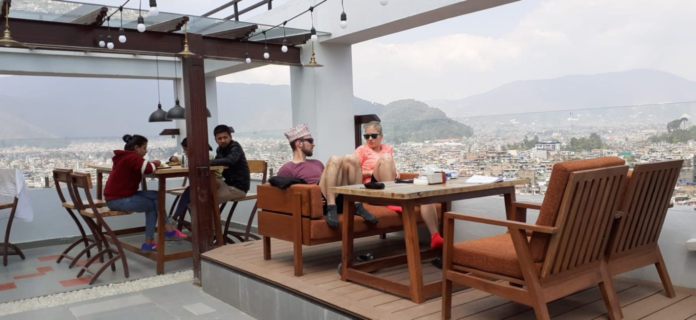Ode dneška mají čeští turisté v Káthmándů zákaz vycházení z hotelu. Foto: Iva Stafová