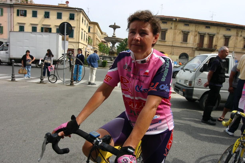 Iva Zajíčková na trati Giro d'Italia v květnu roku 2006.