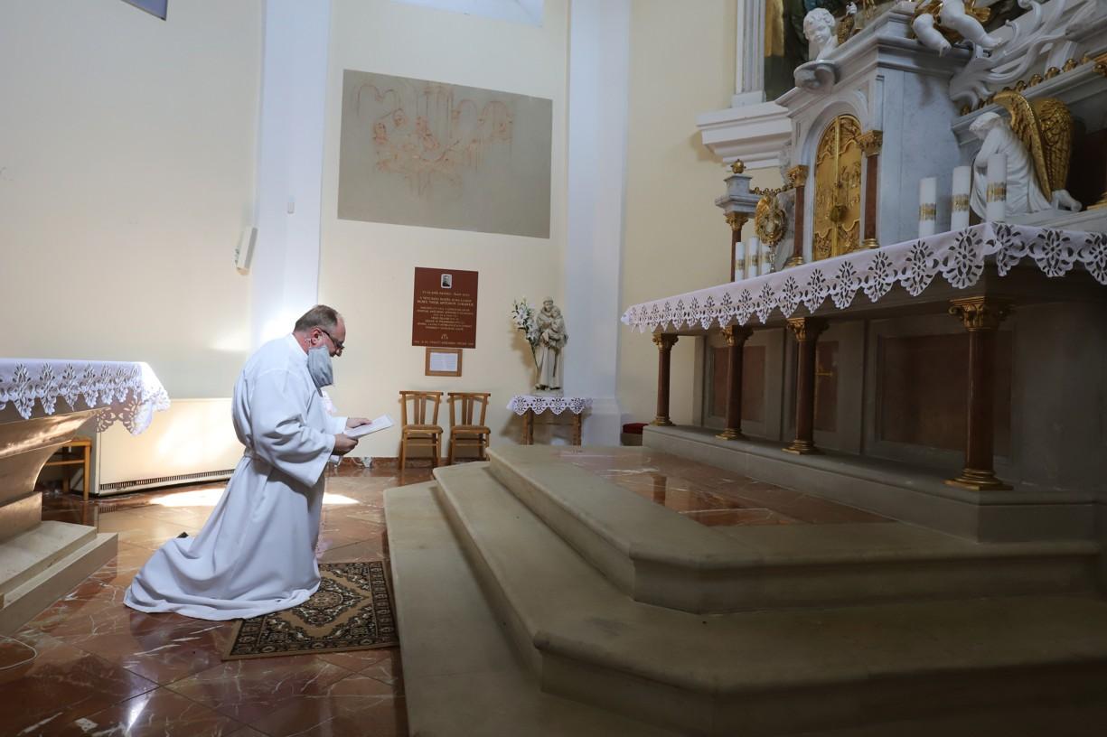 I o Květné neděli se na Antonínku modlil P. Stodůlka za zastavení pandemie na přímluvu sv. Antonína.