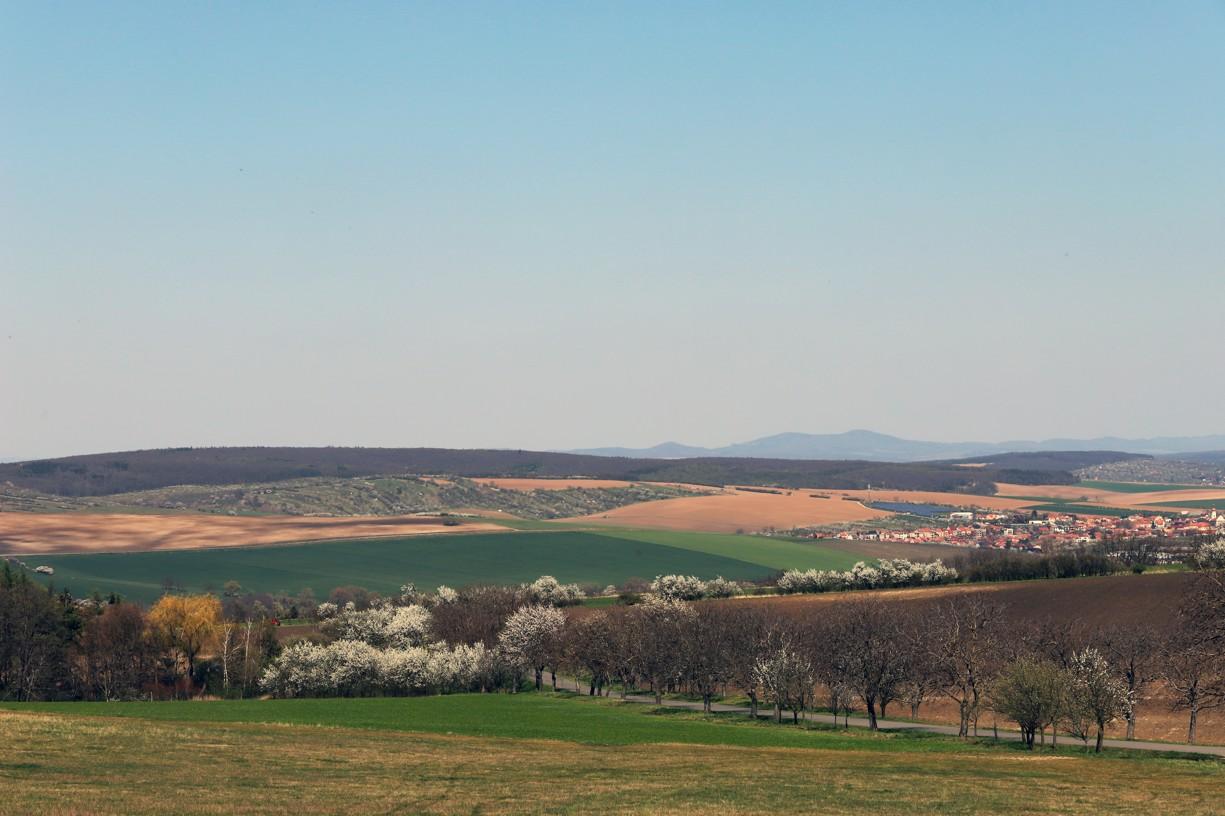 Z Antonínku byl krásný pohled směrem na Hluk.
