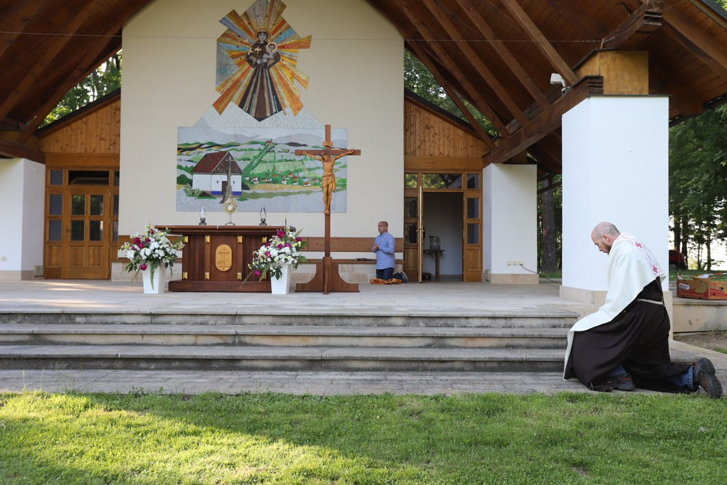 Misijní odpoledne na Antonínku zakončila adorace.