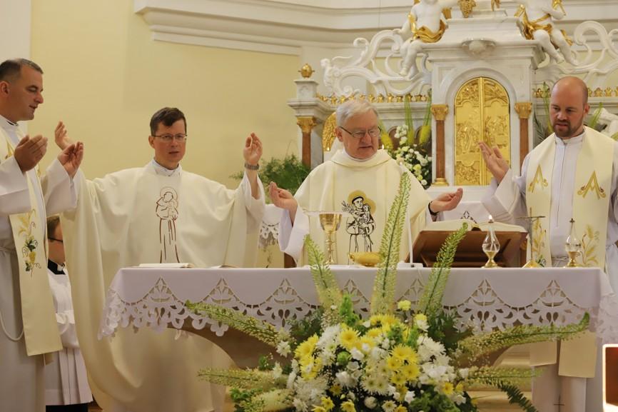 První bohoslužba při Hlavní pouti bývá sloužena vždy v kapli.