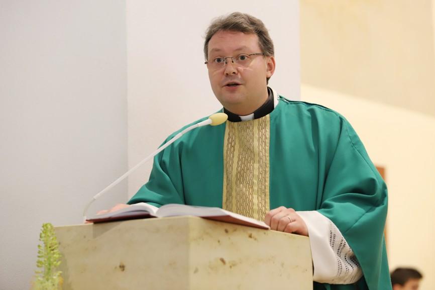 Mši svatou sloužil nivnický farář P. Zdeněk Gerhard Klimeš