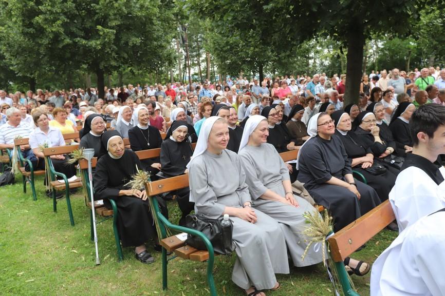 Mezi účastníky primice byly i řeholní sestry