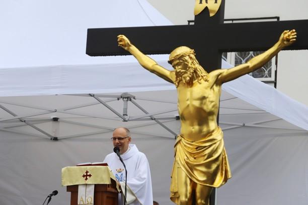 Druhou mši svatou sloužil sekretář brněnského biskupa P. Jaroslav Čupr.