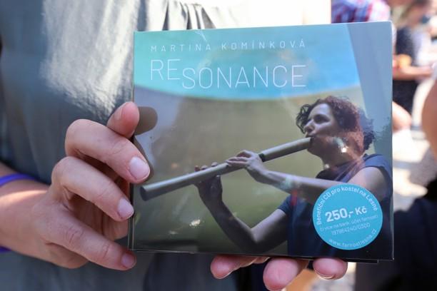 Výtěžek ze 100 věnovaných CD poputuje na vybavení kostela.