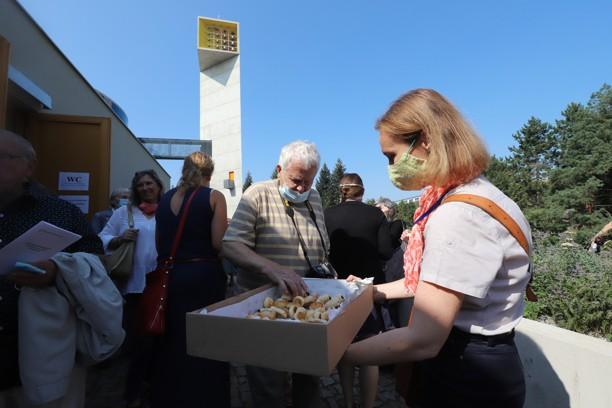 Farníci pro všechny připravili bohaté občerstvení.